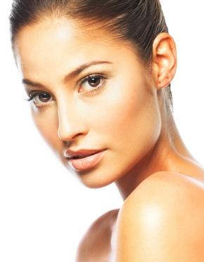 base de maquillaje, maquillaje de rostro, como maquillarse, como aplicar base, como aplicarse la base